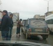 Неадекватный «нивавод» въехал в Бердск и совершил тройное ДТП