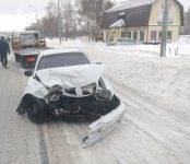 Младенец и 4-летний ребенок получили травмы в ДТП на трассе М-52 в Бердске (видео)