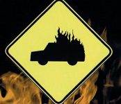 Два автомобиля повреждены в результате пожара в гараже в Морозово