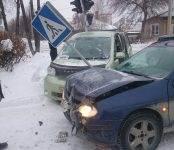 Два автомобиля столкнулись на перекрёстке в Бердске