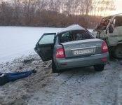 В смертельном ДТП на трассе в Искитимском районе один человек погиб, трое ранены