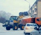 Сотрудники ГИБДД оштрафовали на 5 тысяч рублей водителя снеговоза в Бердске