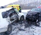 Смертельное ДТП: выехавший на встречку водитель «Тойоты» погиб на трассе М-52