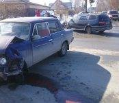 Ушибла нос 5-летняя пассажирка ВАЗа в столкновении автомобилей в Бердске