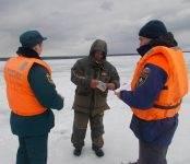Полиция Бердска штрафует водителей ТС, ездящих по льду водоёмов