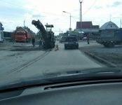 Фотофакт: Дорожные службы Бердска оперативно заделали яму на Рогачёва