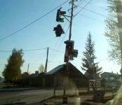 «Гонщик» на «Ладе» уничтожил светофорный объект в Бердске