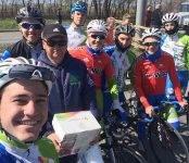Бердские велогонщики соревновались в Омске в память о заслуженном тренере