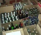 В гараже у бердчанина прокуроры обнаружили склад контрафактного спирта