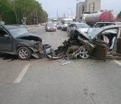 Трое пострадали в лобовом столкновении авто в Бердске