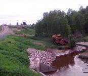 Погиб под колесами трактора мужчина в Новосибирской области