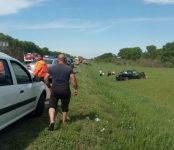 В лобовом столкновении двух внедорожников на трассе — один погибший и четверо раненых