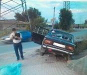 На улице Клубной в Новосибирске погиб 26-летний водитель «шестёрки»