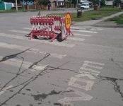 «Зебра» провалилась на перекрёстке Пушкина-Кирова в Бердске