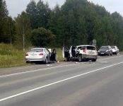 Бердчанин на BMW столкнулся на трассе с двумя автомобилями