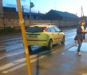 47-летняя автоледи на «Фокусе» наехала на сверстницу, переходившую дорогу в Бердске