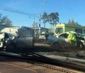 Два человека погибли в лобовом столкновении автомобилей в Новосибирске