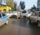 Тройное ДТП на некачественной дороге в Бердске устроил водитель «четвёрки»