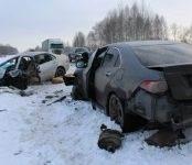Два ребёнка погибли сегодня в крупном ДТП в Новосибирской области