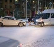 Пьяница на «Марке» таранил две маршрутки в центре Бердска
