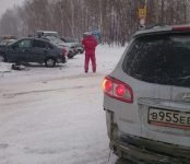 Три автомобиля разбились в ДТП на перекрёстке в Бердске