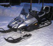 Снегоход и 8 колес от BMW украли из гаражей в Бердске