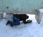 На карачках вынуждены ползти пешеходы Бердска, чтобы попасть с Северного микрорайона до 11 квартала