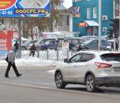 Над пешеходами Бердска нависла опасность, а пьяницы за рулём сами на себя беду накликали