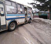 Автобус №1 бердского ПАТП сошёл с маршрута после столкновения с «Тойотой»