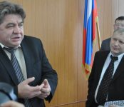 Мэр Бердска поручил делать отсыпку после подсыпки ям на Первомайской ровнее