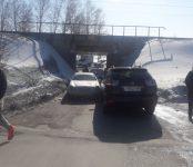 Столкновение авто под железнодорожным мостом в Агролесе полностью блокировало движение