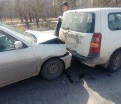 «Мазда» догнала «Тойоту» у пешеходного перехода в Бердске