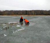 Пожилой рыбак провалился под лёд Обского моря недалеко от Бердска