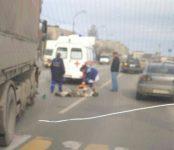 Фура МАН сбила пожилого рыбака на переходе в Бердске