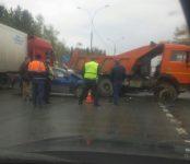 Ударился головой пассажир Chevrolet, столкнувшегося на трассе с КамАЗом в Бердске