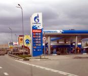 Рост цен на нефть поднимает стоимость бензина для россиян