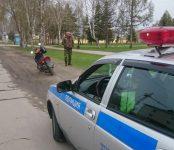 Скутериста с правами тракториста остановили сотрудники ГИБДД в Бердске