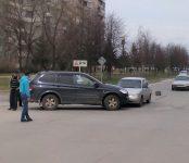Из-за поворотника столкнулись два авто в Бердске