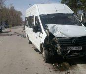 Две маршрутки столкнулись на перекрёстке в Бердске