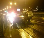 «Нива Шевроле» с пожилой парой из Новосибирска врезалась в отбойник и перевернулась на трассе в Бердске
