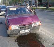 Пьяный «гонщик» на «девятке» устроил тройное ДТП в центре Бердска и сбежал