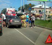 «Приора» наехала на «Тойоту в центре Бердска