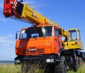 Исчезли грузовик и автокран из Речкуновки в Бердске