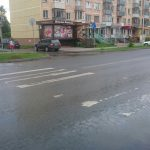 Песни Beatles споют на пешеходном переходе в Бердске