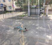 Авто в Сузуне сбил ребёнка на велосипеде. За рулём машины была не опытная автоледи (видео)