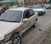 Столкновение авто в Бердске, которое едва не стало ДТП с пострадавшим