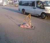 Колодец на проезжей части в центре Бердска накрылся дорожным знаком
