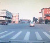 Видеофакт: Мальчик на велике нарушает ПДД в Бердске