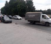 Водитель «Короллы» с подругой разбились у перекрёстка в Бердске