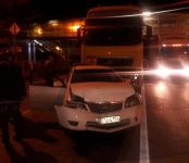 В ДТП с большегрузом в Бердске один человек пострадал и разбиты две легковушки